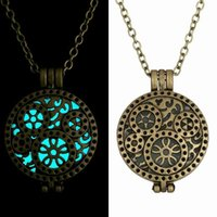 anniversary gifts case - 2015 Hot Selling Glow in Dark Case Pendant Necklace Charms Jewelry Locket Floting Pendamt Women Gift