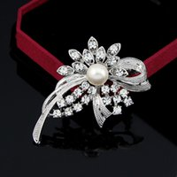 acrylic plastic products - Free postage new Korean version of the new product boutiques selling jewelry alloy pearl brooch Yiwu export products