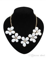 Wholesale Fashion New Floral Chokers Statement Necklaces European Exaggerated Jewelry Accessories Flowers Collarbone Collar Chain Pendants Women Girls