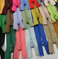 Wholesale 32colors Nylon Closed end Sewing inch Multicolor Zipper Sewing cm apparel Coil Zippers Sewing Tools Garment Accessories