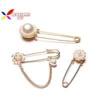 Wholesale 2015 hot brooches pins fashion women elegant designer gold metal faux pearl flower costume accessories pernos de la broche