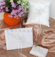Wholesale Wedding Guest Books Pen Sets Lace Applique Ivory Wedding Ceremony Accessories Wedding Favors Party Supplies Table Decorations Centerpieces