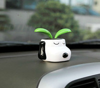 Wholesale 2016 new Solar Energy Toys Genuine car decoration Snoopy dog Sun Flower solar Bobblehead cartoon series