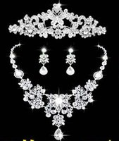 Wholesale New arrival Luxury Shining Bling Crystals Wedding Party Bridal Bridesmaid Tiara Crown Necklace And Earrings Jewelry Set