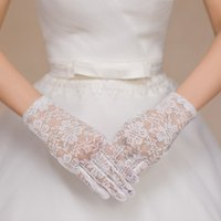 girl white gloves - Simple Lace Full Fingers Short Bridal Gloves Pretty New Wrist Length Formal Wedding Lovely Girls Bridal Accessories Hot Sale BG003