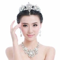 Wholesale Sparkling Crown Earrings Necklace Bridal Jewelry Three Pieces Set Shining Crystal Rhinestone Princess Bridal Accessory Popular Cheap WZ