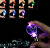 Wholesale 100pcs Novelty LED Bulb Shaped Ring Keychain Flashlight Colorful Key Ring Keychain Lamp Rainbow Color Romantic Lover Key chain Bulb Necklace