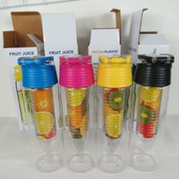 Wholesale 700ML Tritan Fruit Sport Water Bottle Infusing Infuser Bottles with Carrying Handle Many Color Option A013