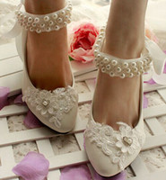 Wholesale Rhinestone pearl bridal shoes in stock quick shipping flower wedding shoes custom make different heel for brides