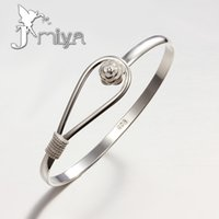 flower bracelet - European and American Popular Fashion Boutique Bracelet Plated silver Flower Clasp Bracelet Singlet Creative Gifts for Girls Womens