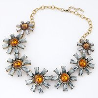 metal sunflower - 2015 Fashion Metal Shining Bright Sunflowers Temperament Exaggerated Necklace Short Choker Necklace