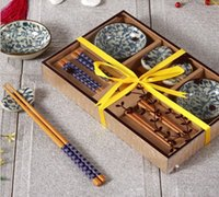 al por mayor caja japonesa antigua-Vajilla de cerámica japonesa de sushi antiguo para 2 con palillos de bambú en caja de regalo Pintado a mano azul y blanco patrón floral