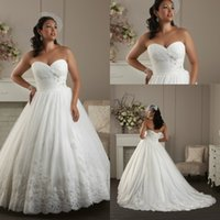 wedding black and white - 2015 Plus Size Wedding Dresses For Full Figures Womens Hot Sale Cheap Corset and Tulle Beaded Lace Appliques Beach Big Bridal Party Gowns