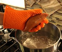 Wholesale Retail Non slip Protect Hand food grade heat resistant silicone Material and Oven Usage BBQ silicone grill gloves