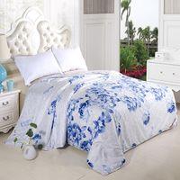 Wholesale Handwork positioning grade A kg summer pure silk quilt comforter blue flower Pearl pulp fabrics quilt cover x230cm