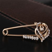 Wholesale Heart shaped fashioncouple brooch retro love hearts pin Ladys suit high grade Crystal pins scarf buckle Cape clasp accessories