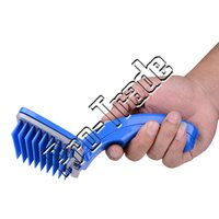 Wholesale Self Cleaning Plastic Grooming and Bathing Pet Brush Self Cleaning Small Grooming Brush for Cats Dogs M SIZE CM CM CM