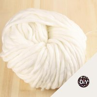 Wholesale EMS KG M Super Thickness Natural Merino Wool Chunky Yarn Felt Wool Roving Yarn for Spinning Hand Knitting Spin Yarn Winter Warm