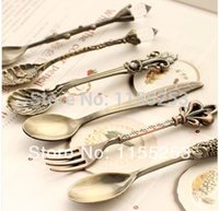 Wholesale Free International Kitchen Restaurant and Bar retro royal style bronze carved green small coffee spoon and fork small order lt no track