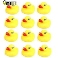 Wholesale Umiwe Rubber Ducky Duckie Baby Bath Tub Duck Birthday Party Favors Yellow Bath Brushes Cheap Bath Brushes