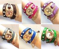 La nueva manera 2015 se divierte las últimas mujeres de cuero del reloj del cuarzo de la cadena de la honda del Rhinestone chispeante popular del estilo hawaiano