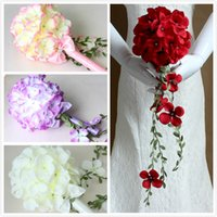 Wholesale Cheap Wedding Bridal Bouquets with Green Vines Crystal Flowers For Garden Wedding Bridesmaid Bouquets Bride Holding Brooch Bouquet