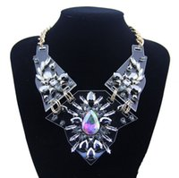Wholesale Europe and America Luxury Multilayer Resin Necklace Pendant Charm Statement Necklace Choker Crystal Collar Necklace