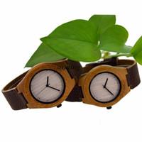 Precio de Gifts-Movimiento Regalos bambú de madera del reloj Miyota japonés relojes de los relojes de madera de bambú de cuero genuino para la caja parejas regalo