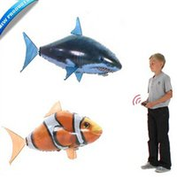 Wholesale Air Swimmers Flying Clownfish Shark Nemo Flying Remote Control RC Fish Swimmers In The Air Inflatable Toy Retail