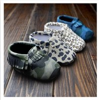 Wholesale Baby First Walker moccs Baby moccasins soft sole moccs leather camo leopard prewalker booties toddlers infants bow leather shoes