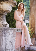 Cheap Fabulous Blush Backless Bridesmaid Dresses Pleated V Neckline Long Floor Length Prom Gown Cheap A-Line Chiffon Split Side Evening Dress