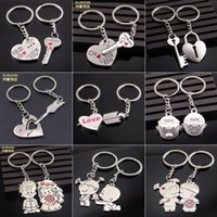 souvenir keychain - 2015 Novelty llaveros Couple Keychain Lovers Anime Key chain Chaveiros Key ring Men Jewelry Souvenirs Accessory Gift Valentines