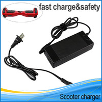 Chargeur pour scooter Chargeur Chargeur de batterie universel pour UK scooter électrique smart balance board volant AC Adapter Chargeur US Au UE
