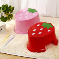 Wholesale Jin Lixian child cartoon cute mini strawberry plastic bench creative children s stool stool changing his shoes