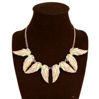 achat en gros de diamants acryliques grand-La vente de grandes européens et américains de la mode en alliage acrylique couleurs collier de diamants femmes une génération de matières grasses