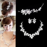 Wholesale Excellent Flower Crystal Pearl Bride Set Necklace Earrings Tiara Bridal Wedding Jewelry Sets Accessories For Women