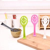 Wholesale C07 practical creative home cute smiley face stick spoon can upright