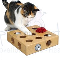 Wholesale Cats Hide seek Box Scratching Toy Funny Peek and Play Platform Kitty Cat Puzzle Toys with Balls Pets Products for Fun