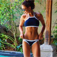 2016 New plage sexy de la mode triangle couvrir licol crop top accrocher bikinis cou élevées établies les plus chaudes des modèles de maillots de bain Bikini Beach