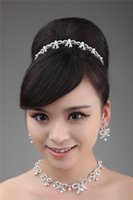 Wholesale 2014 New Bridal Hair Accessories Silver Crystals Earrings And Necklace Set Sparkle Modern Shiny Bridal Jewelry High Quality