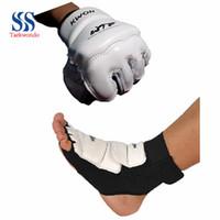 Wholesale Taekwondo protector wtf kickboxing boxing boots glove fighting hand foot protector glove protect Sandbag Fist Glove T0311