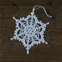 Wholesale Hand crocheted white snowflakes decorate Christmas ornaments Santa Claus decoration products Cotton per pack No