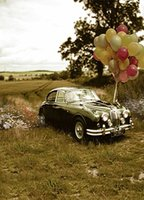200 cm * 150 cm (5 pies 6.5 pies *) Coche viejo estacionado en el campo de color globo fondos de vinilo de fondo la fotografía