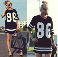Celebrity 86 américain Baseball Tee T-shirt Top oversize Varsity manches courtes Loose Fit Mini-robe Black / White Women Dress livraison gratuite