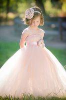 2016 hermosa rosa Tull vestido de bola flor chica vestidos espaguetis correas falda hinchada de longitud completa niñas vestidos de flores con flores hechas a mano