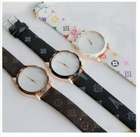 Wholesale 2015 casual elegant ladies top watches quartz watch popular girls love the money supply trade