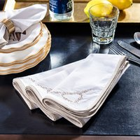Wholesale Odd ranks yield high end home decorations ornaments food supplies Western model room dedicated linen napkin