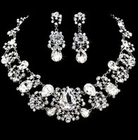 Wholesale Wedding Jewelry Shining New Cheap Sets Rhinestone Bridal Jewelery Accessories Crystals Necklace and Earrings for Prom Pageant Party