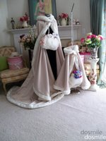 Wholesale New Winter light pink floor Length Hooded flower Girls Cape Faux fur Cloaks Kid Girl jacket Coats with fur muff