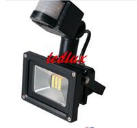 Proyectores 10W 20W 30W 50W LED PIR Sensor de movimiento infrarrojo pasivo Luz de inundación O Luz de sensor humano para interior / exterior Lámpara de seguridad